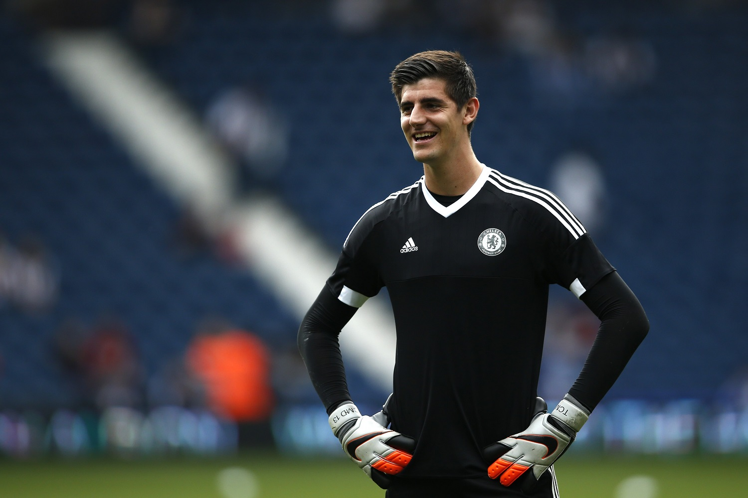 Berita Chelsea : Hiddink Inginkan Courtois Tetap Berseragam The Blues