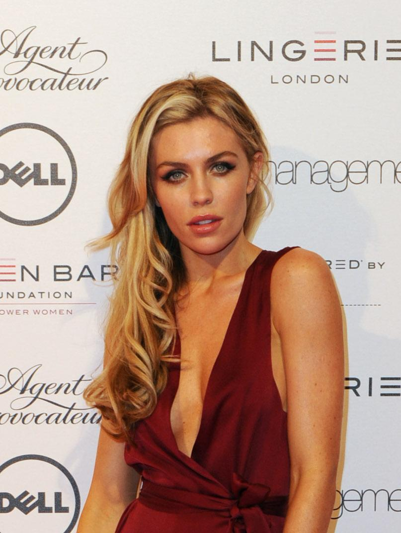 Foto Hot Abigail Marie Clancy, WAG's Peter Crouch