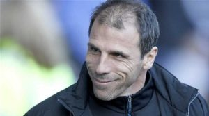 Zola Dukung Conte Latih Chelsea