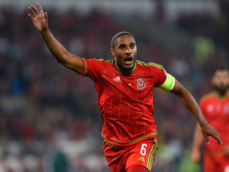 Berita Bola : Everton Bakal Meminang Ashley Williams