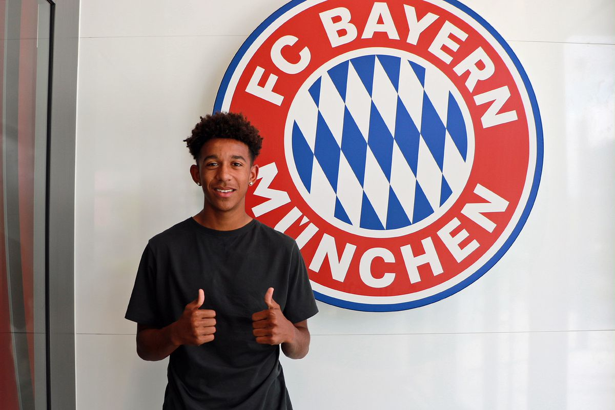 Bayern Munich Resmi Umumkan Perekrutan Chris Richards