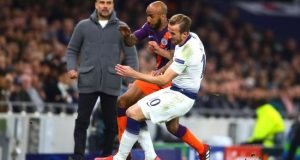 Ngeri, Video Detik-detik Saat Kaki Harry Kane Terinjak Pemain Manchester City