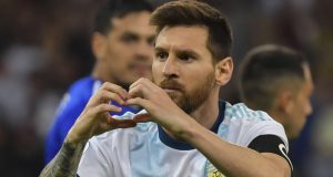 Video, Tendangan Geledek Messi Ke Gawang Paraguay