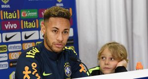 Video, Putra Neymar Ikut Ramaikan Bottle Cap Challenge